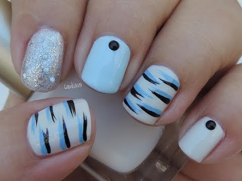 Nail Art Blue Tiger Stripes- Tigre Azul