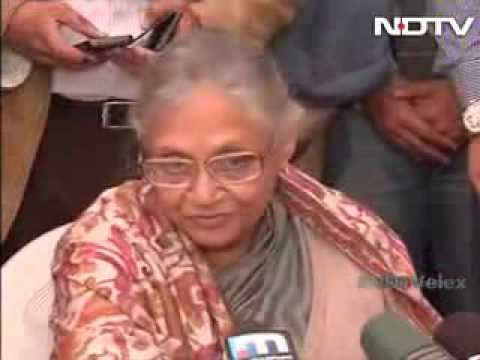 'Bewakoof hain na', says upset Sheila Dikshit after losing Delhi