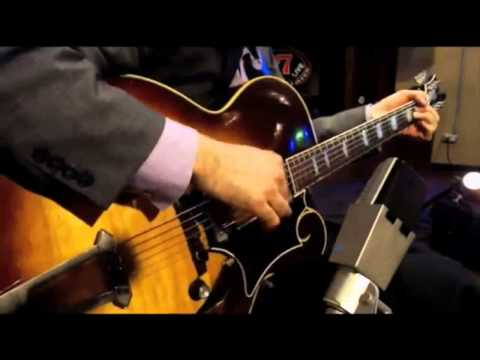 Solo Jazz Guitar - Andy Brown Solo at the Whiskey Lounge