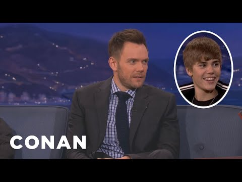 Joel McHale Nails Justin Bieber's Egg Attack