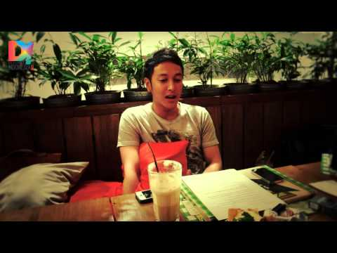 DescribeIndonesia.com - D! Chat: Interview with Dimas Anggara