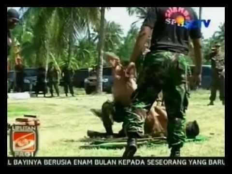 Aksi Pencak Silat TNI AL untuk U.S. Navy (June 8, 2012) -- SCTV