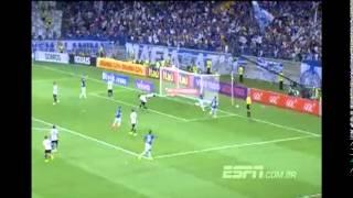 Reveja o lance do gol da vit�ria do Cruzeiro sob o Gr�mio