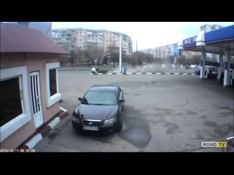 Авария возле АЗС