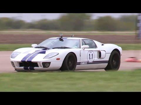 1100hp Ford GT vs 1000hp Viper