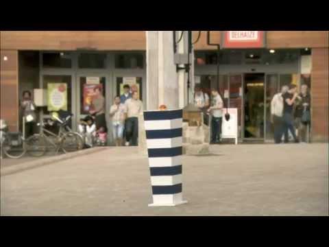 Taster koji unosi dramu u malom gradiću :)