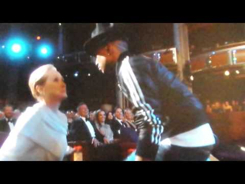 [86th Oscars] Happy - Pharrel Williams