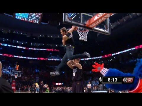 技驚四座!Jordan Kilganon 在明星賽期間穿著牛仔褲表演了一記跨人「蝎子爆扣」
