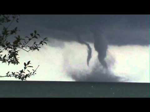 Raw: Waterspout Over Lake Michigan Near Wis.