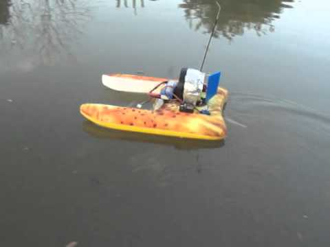 RC Rescue boat. - YouTube