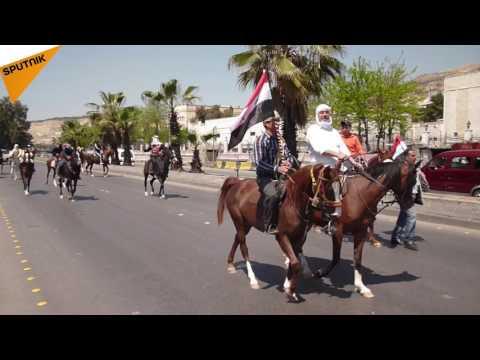 """""""فرسان الشام"""" ينتشرون بشوارع دمشق على خيولهم!"""