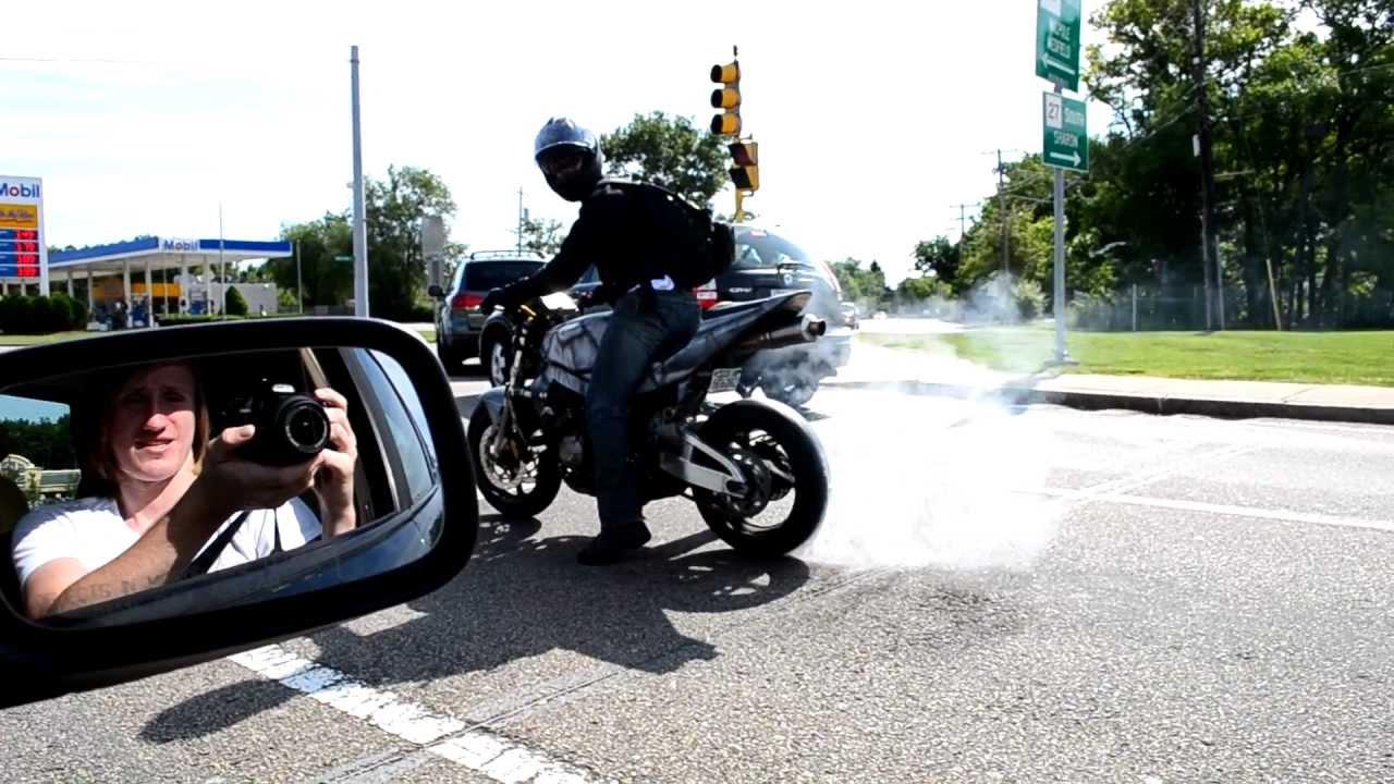 Street Bike Burnout Covers An Audi R8 V10 In Tire Smoke