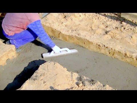 Budowa domu dzień po dniu. Dzień 1 - ułożenie podkładu betonowego pod ławy fundamentowe