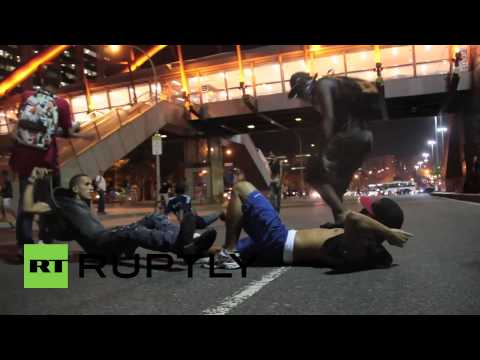 Brazil: Hundreds protest alongside police over bus fare hike