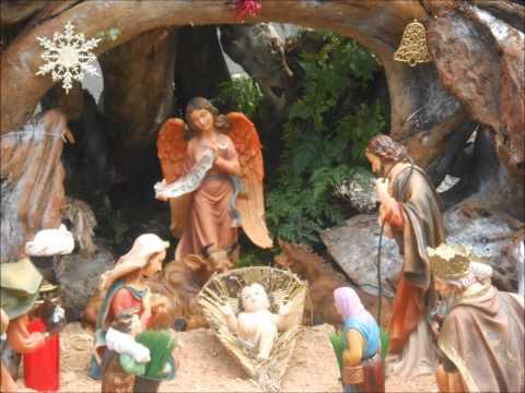Presepios e decoração da Igreja de São Vicente.