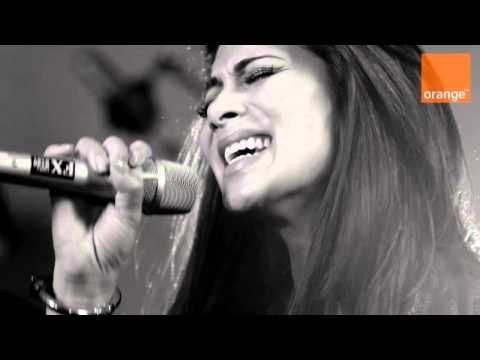 Nicole Scherzinger - Stickwitu (Acoustic Live Session Performance - 4th March 2011)
