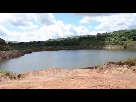 Serra Pelada Cratera totalmente inundada