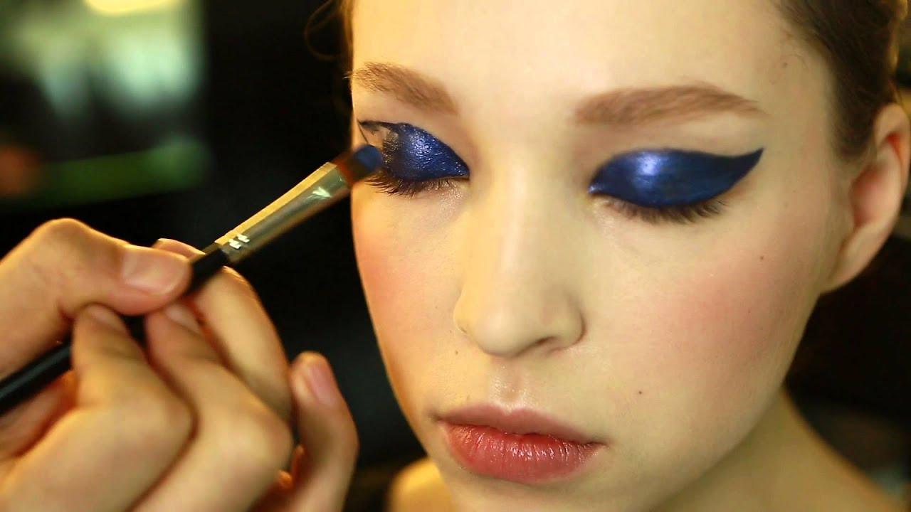 Макияж с голубой подводкой фото