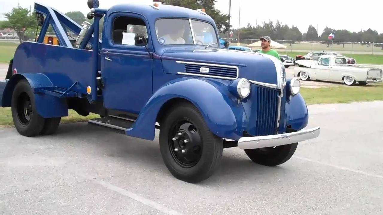 in addition C D A De F Ed B B C B moreover O likewise Bb F Ff C B F Fd E Ae A Old Police Cars Ford Police besides Cee E C D Ba Fbf Aecd F   Srz. on 1940 ford tow truck