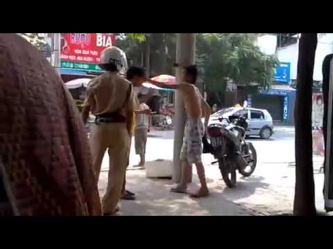 Chơi tay đôi với cảnh sát giao thông