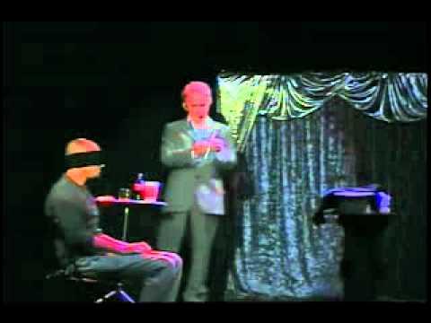 Show no teatro Dina Sfat com Mágico Paladino (2008).wmv