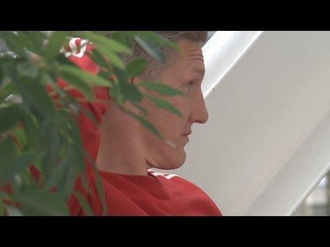FC Bayern München: Bastian Schweinsteiger wird am Münchner Flughafen vergessen