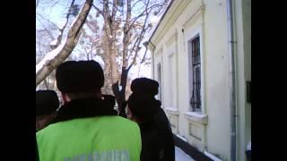 Hărțuit de carabinieri lângă Parlament