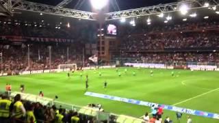 Genoa-Sampdoria, squadre in campo per il riscaldamento
