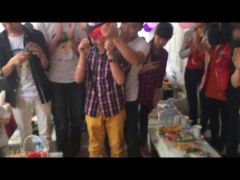 [ FC Hà Nội] SNQA2014 - Quang anh thổi nến sinh nhật :x