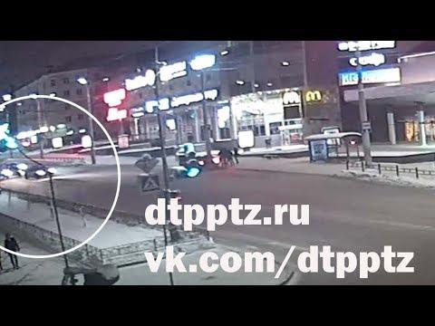Ночью на проспекте Ленина столкнулись БМВ и полицейский автомобиль