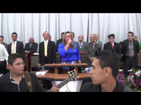 SHIRLEY CARVALHAES E A BANDA KAIRÓS O HINO BASTA UMA PALAVRA NO CONGRESSO UMADEM 2014