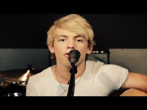 R5 - Loud Acoustic Performance - R5Friday