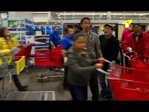 Black Friday shoppers pour into LA stores