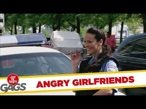 Angry Girlfriends Slash Tires Prank - Csavarhúzó