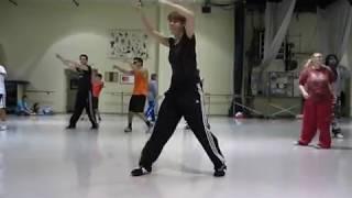 Dj Got Us Fallin In Love Blackbird.avi view on youtube.com tube online.