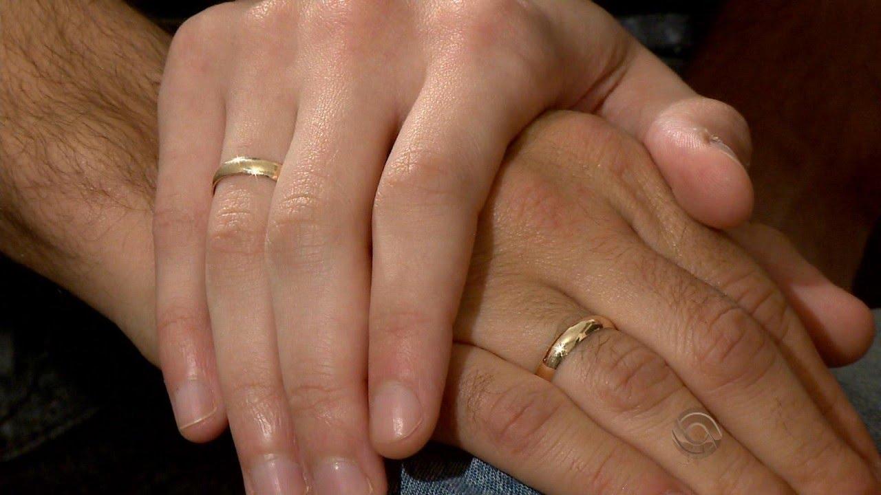 Peões que ficaram noivos em evento tradicionalista se emocionam