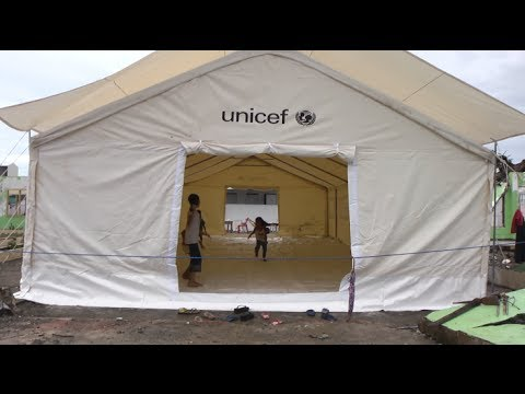 Philippines: Tent classroom keeps children safe and dry