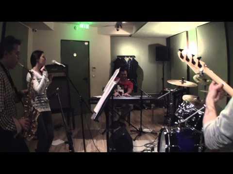 Πάρτυ στο στούντιο LA BAMBA Maria and The Band . Studio party.