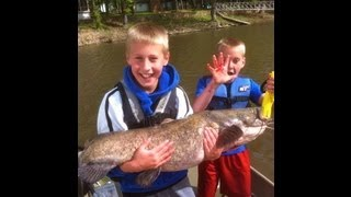 2 KIDS Catch HUGE FLATHEAD Catfish!