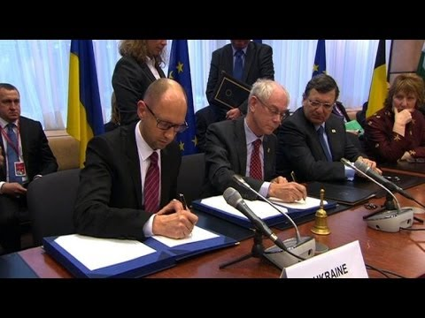 EU, Ukraine sign provisions of historic accord