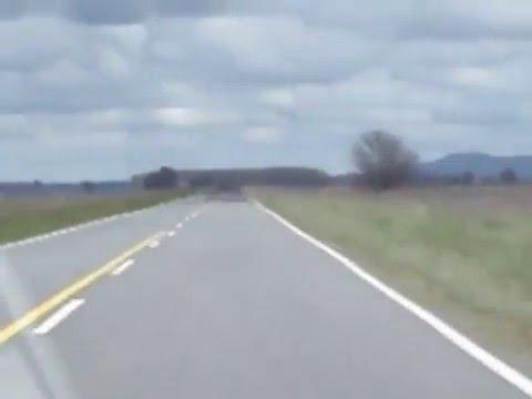 OVNIS REALES SORPRENDENTE MIREN EL MINUTO 2. LLEGANDO A TANDIL. ARGENTINA 2015