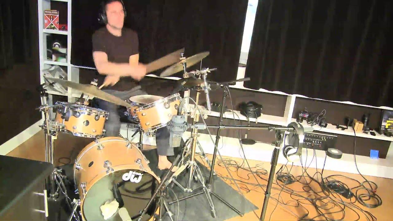 Joseph Gordon-Levitt o... Joseph Gordon Levitt Drums
