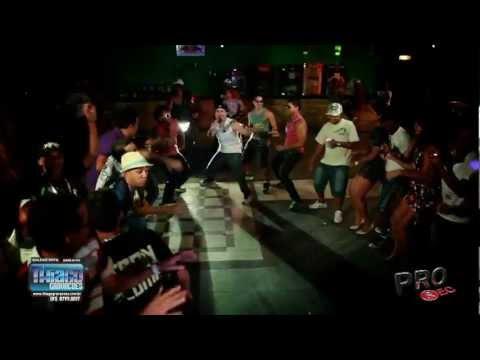 RENY E A GALERA - A FESTA DOS MCS - CLIPE OFICIAL 2012