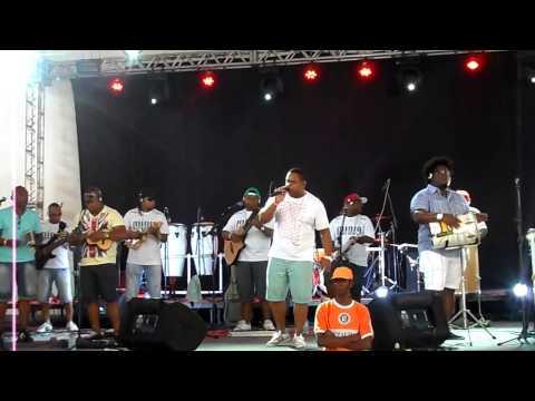 Grupo Fora da Mídia . Samba no Cais 2013