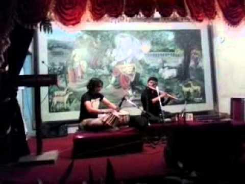 Kunmandirma janchhau yatri on Flute 2014 05 14 19 47 34