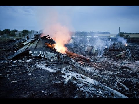 Malaysia Airlines Crash : MH17 Flight in Ukraine  Boeing 777 Flight shot down missing
