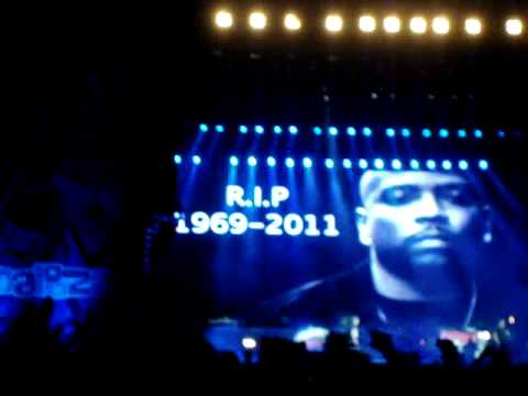 Eminem Lollapalooza 2011 - Nate Dogg Tribute! (Til I Collapse)