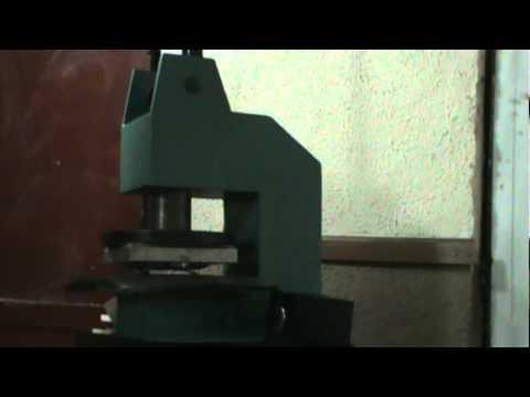 prensa para grabado manual de piel con troqueles grandes