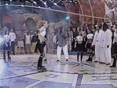 Giselle pulando corda de patins - Planeta Xuxa 04/10/1998
