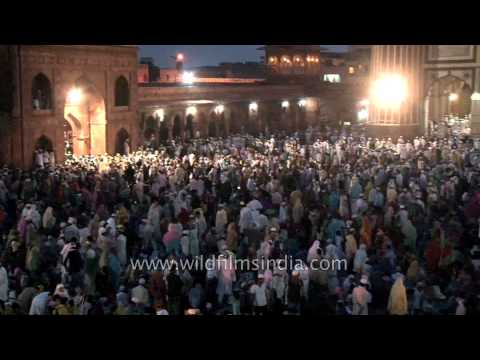 Muslims all over Jama Masjid to offer prayer